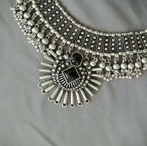 Vintage Silver Bib Necklace w/ Black Stones - 16""
